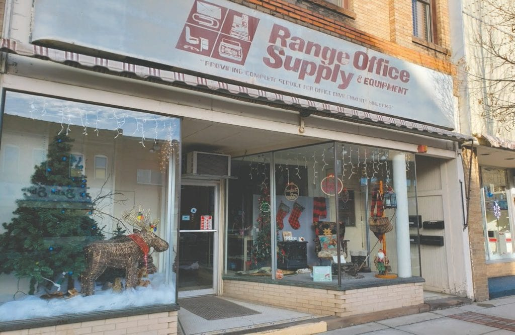 Office Supply (319 Chestnut Street) decorated its storefront with a northwoods Christmas theme. Photo by Cindy Kujala.