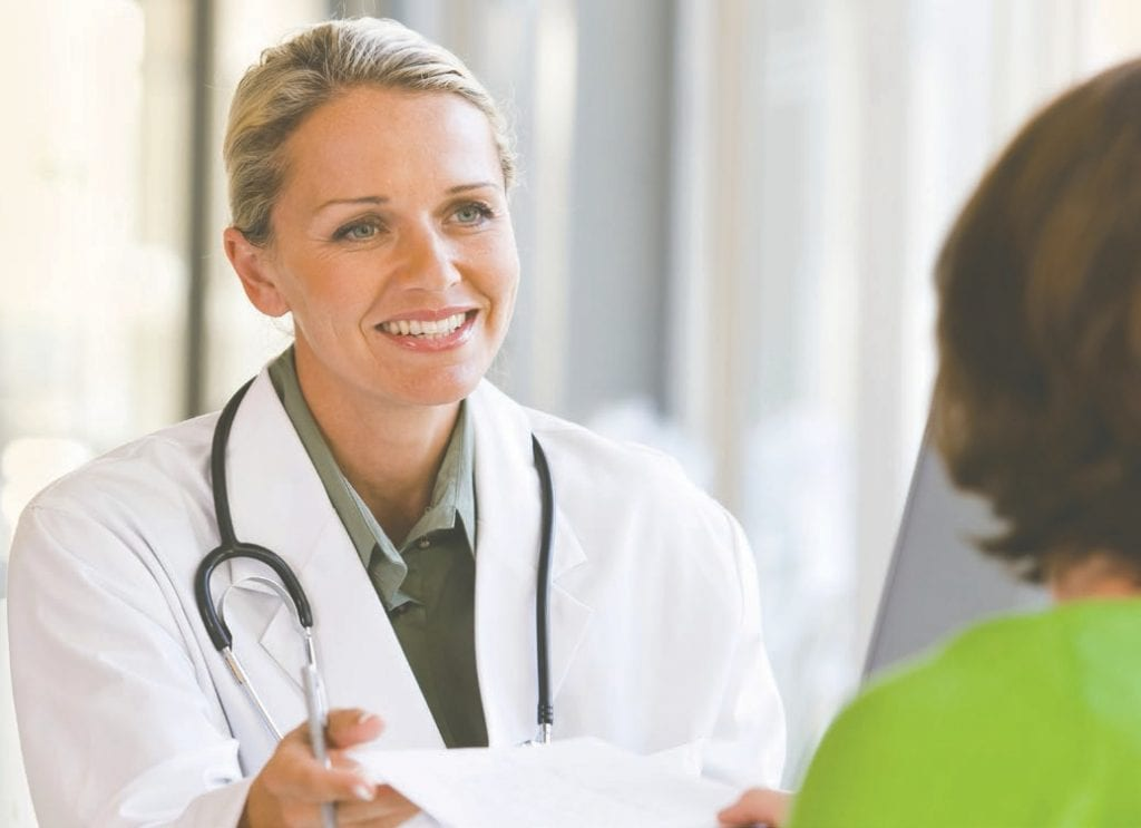 Le persone con malattie autoimmuni possono condurre una vita piena e attiva. È importante, tuttavia, consultare un medico specializzato in questi tipi di malattie, seguire il piano di trattamento e adottare uno stile di vita sano.