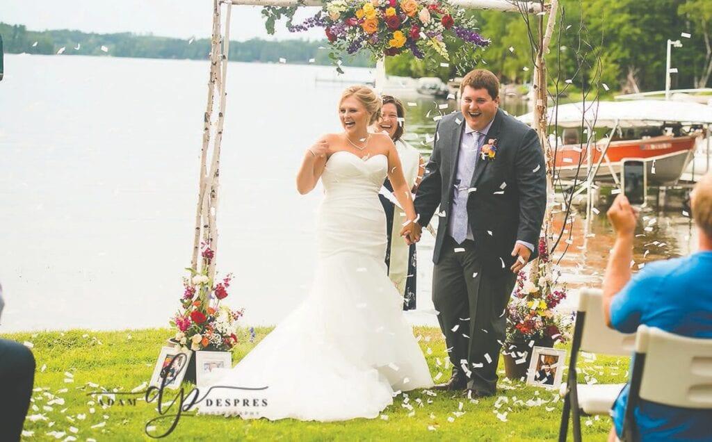 Jenna et Jeffrey célèbrent leurs premiers moments en tant que mari et femme. Photo soumise.